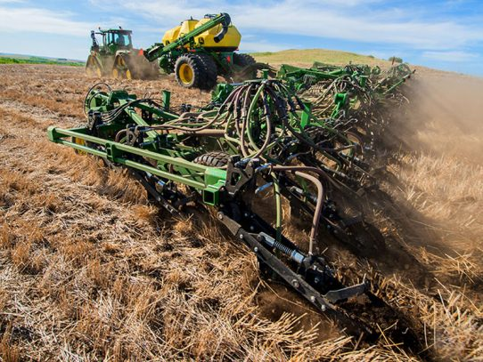 76 foot wide Air Hoe Seeder added to 1870 model line-up